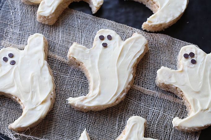 Krispie Treat Ghosts