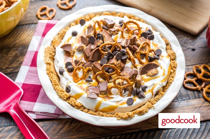No-Bake Peanut Butter Pretzel Pie