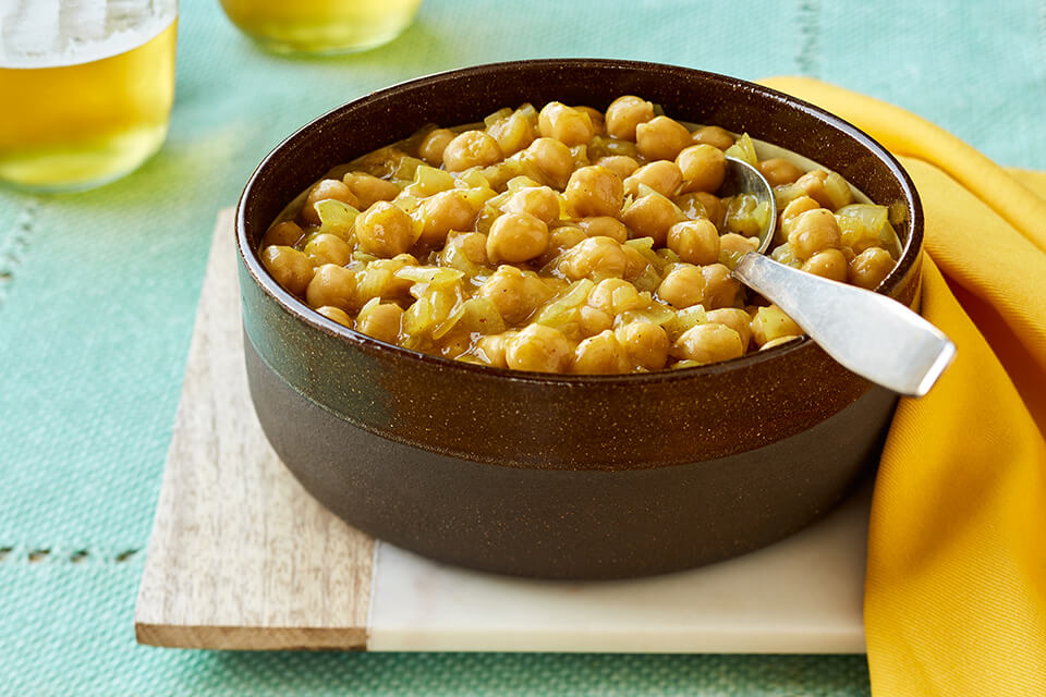 Spicy Garbanzo Beans with Caramelized Onions