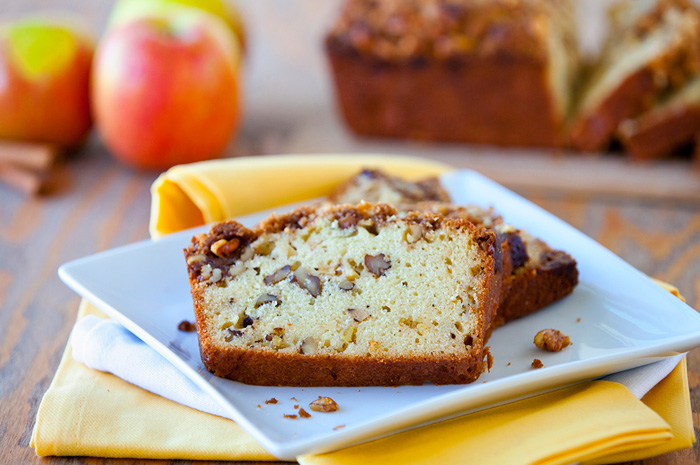 Streusel Topped Apple Bread